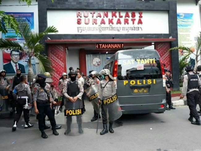 Kondisi pascakericuhan yang melibatkan tahanan Rutan Kelas I Surakarta, Jawa Tengah, Kamis, 10 Januari 2019. Medcom.id/ Pythag Kurniati.