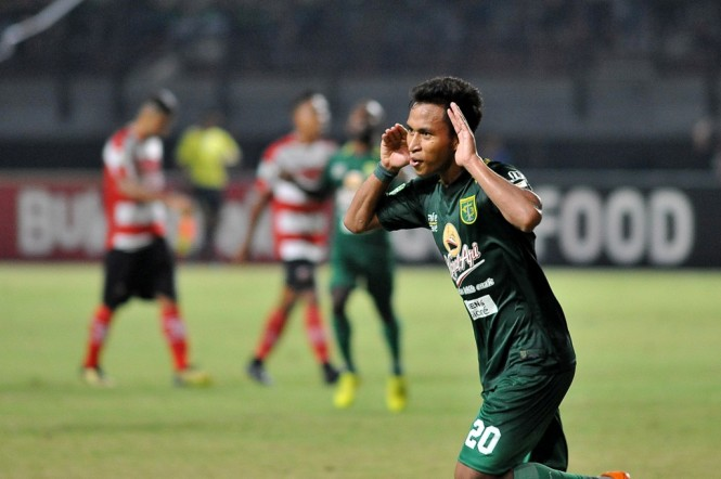 Selebrasi Osvaldo Haay usai mencetak gol untuk Persebaya ke gawang Madura United di Liga 1 2018. (Foto: ANTARA/M Risyal Hidayat)