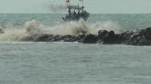 Gelombang Tinggi, Wisatawan di Banten Diimbau Tidak Berenang