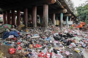 Kolong Tol Wiyoto-Wiyono Beralih Fungsi Jadi TPS