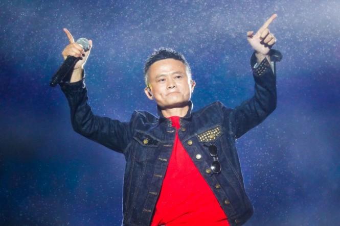 Orang terkaya Tiongkok, Jack Ma dikabarkan bakal mengakuisisi saham Erick Thohir di Inter Milan (Foto: STR / AFP)