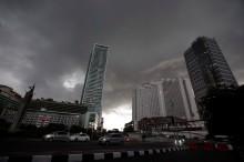 Hujan Guyur Ibu Kota di Siang Hari