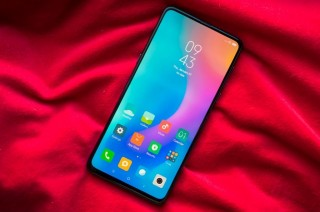 CEO Xiaomi Indikasikan Teknologi Pengisian Daya Cepat di Mi 9