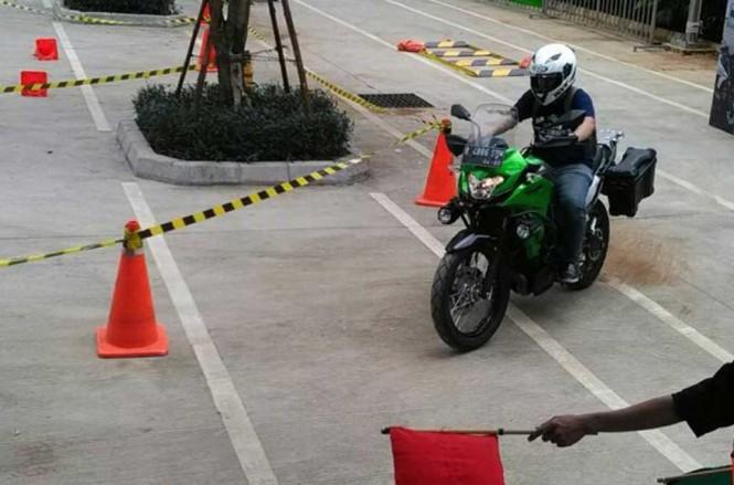 Kawasaki Genuine Oil dikembangkan Kawasaki bersama Shell Indonesia. Medcom.id/Ekawan Raharja