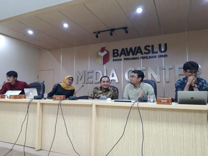 Diskusi bertema Tingkat Pengetahuan Pemilih (Mahasiswa) Mengenai Elemen Teknis Pemilu di Media Center Bawaslu, Jalan M.H Thamrin, Medcom.id/Intan Yunelia.