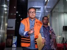 KPK Perpanjang Penahanan Bupati Pakpak Bharat