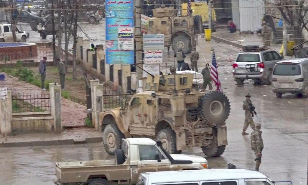 Situasi di Manbij, Suriah, usai serangan bom. (Foto: AFP)