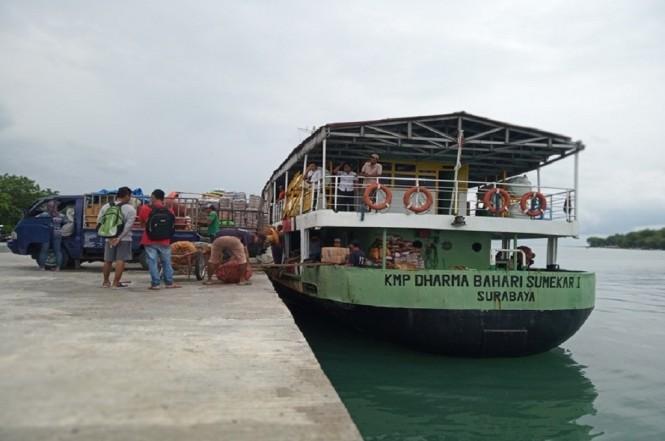 Kapal bersandar di Pelabuhan Kalianget Sumenep, Medcom.id - Rahmatullah