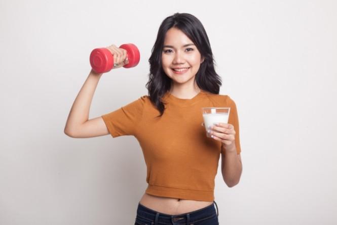 Selain untuk menjaga kesehatan, susu juga sering dimasukkan dalam menu diet (Foto:Shutterstock)