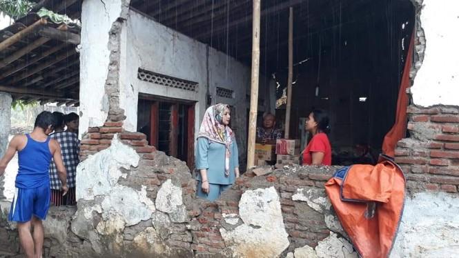 Dokumentasi kondisi rumah warga Brebes, Jawa Tengah, yang nyaris roboh. (Medcom.id /Kuntoro Tayubi).