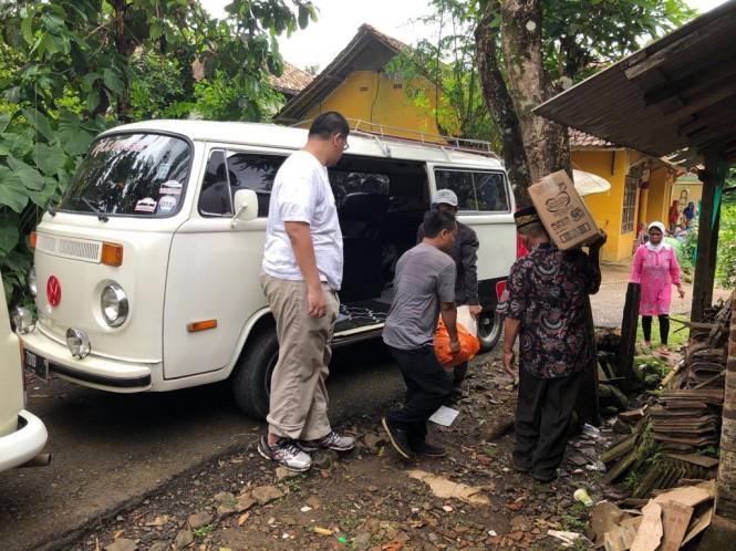VVC mengadakan bakti sosial untuk korban bencana alam tsunami Selat Sunda. VVC