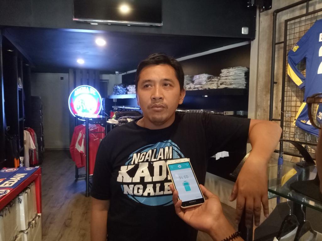 Media Officer Arema FC Sudarmadji menanggapi kabar bahwa CEO Klub Iwan Budianto berpotensi jadi tersangka mafia bola. (Foto: medcom.id/Daviq Umar)