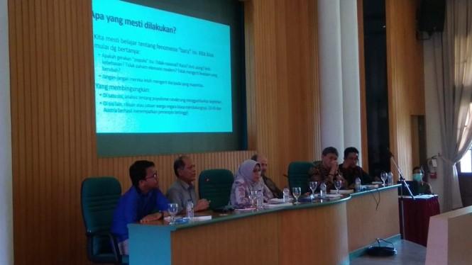 Diskusi buku berjudul 'Dua Menyemai Damai, Peran dan Kontribusi Muhammadiyah dan NU dalam Perdamaian dan Demokrasi' di Kampus Pusat Universitas Gadjah Mada (UGM), Kamis, 17 Januari 2019. Medcom.id-Ahmad Mustaqim.