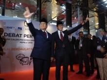 Prabowo-Sandi Kompak Bersetelan Jas