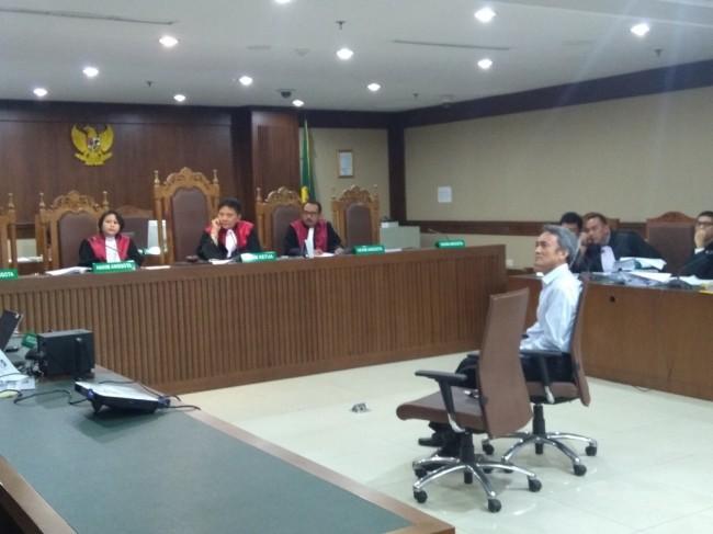 Chairman Paramount Enterprise Eddy Sindoro saat bersaksi buat terdakwa Lucas - Medcom.id/Kautsar Widya Prabowo.