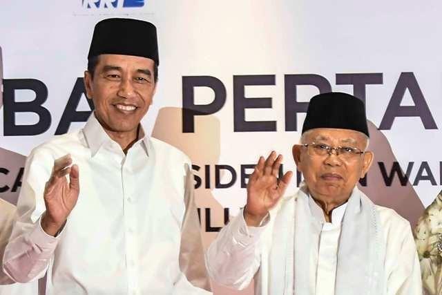 Capres-cawapres nomor urut 01 Joko Widodo-Ma'ruf Amin. Foto: Antara/Aprilio Akbar.