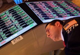 Wall Street Ditutup Merekah