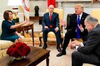 Trump Larang Ketua DPR AS Gunakan Pesawat Pemerintah