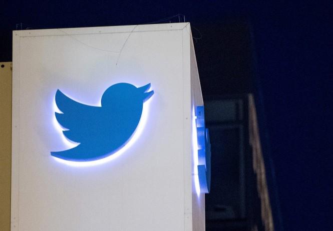 Twitter baru menambal bug yang ada sejak 2014. (Photo by JOSH EDELSON / AFP)