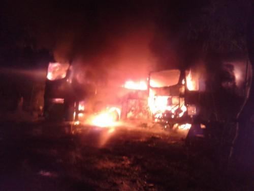 Kebakaran bus akibat hubungan arus pendek. Dok. Damkar Kabupaten