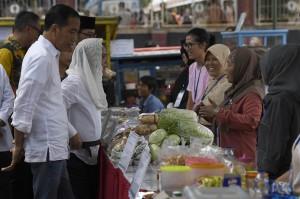 Jokowi Tinjau Program Mekaar di Garut