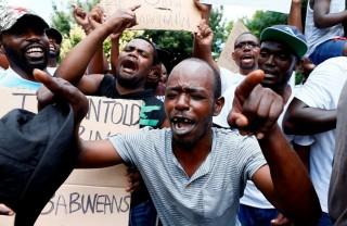 Bungkam Demo Warga, Zimbabwe Matikan Akses Internet
