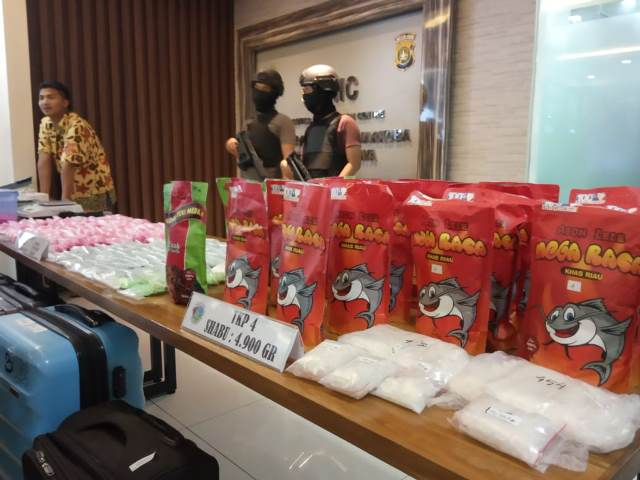 Barang bukti narkoba jaringan Jakarta-Banjarmasin disita Polda Metro Jaya. Medcom.id/Kautsar Widya Prabowo