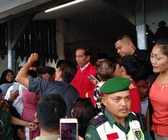 Ilustrasi-Presiden Joko Widodo  di halaman Masjid Agung Cibatu, Jawa Barat, Jumat, 18 Januari 2019--Medcom.id/Desi Angriani.