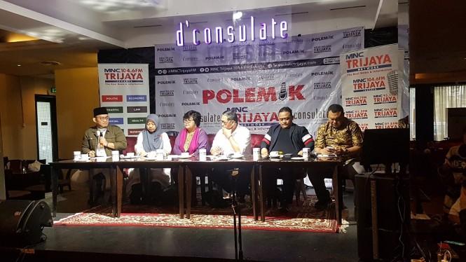 Diskusi terkait debat perdana - Medcom.id/Damar Iradat.