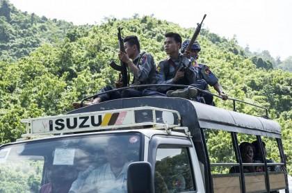 Tentara Myanmar Bunuh 13 Pemberontak di Rakhine