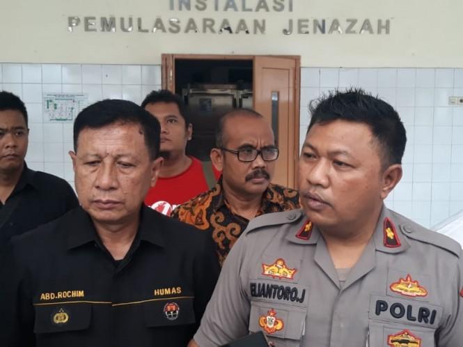 Polsek Jatiuwung menggelar rilis di RSUD Kabupaten Tangerang dalam ungkap kasus pembunuhan balita. Medcom.id/Hendrik Simorangkir