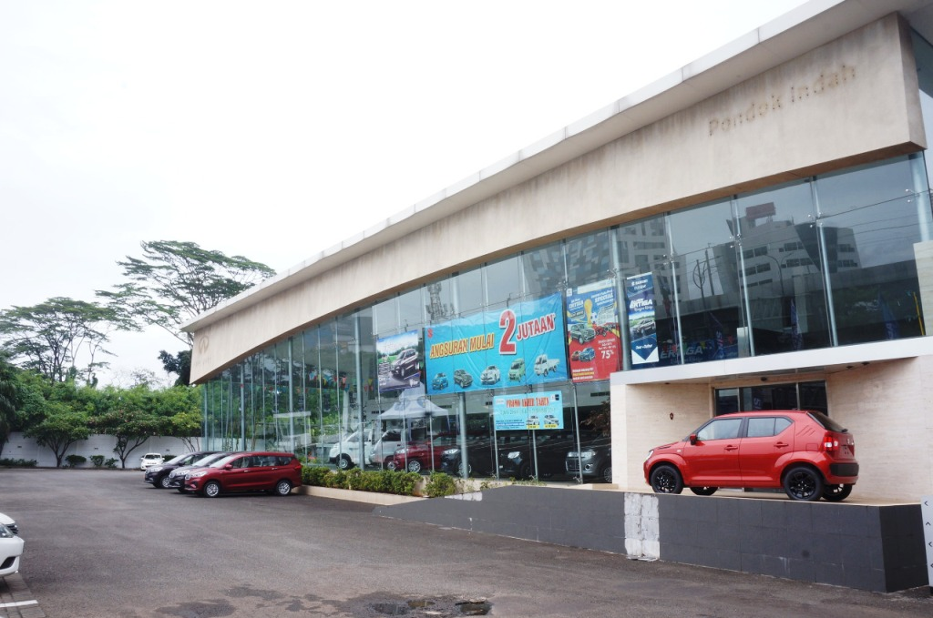 Suzuki kini ambil alih dealer Infiniti di Pondok Indah. Suzuki