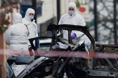 Bom Mobil Guncang Irlandia Utara