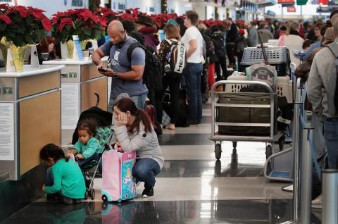 Badai Salju Ganggu Ribuan Penerbangan di AS