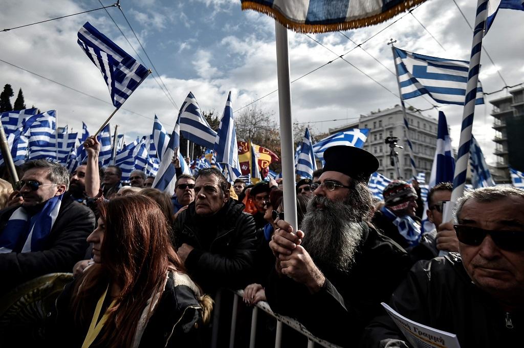 Puluhan ribu orang berunjuk rasa menentang perubahan nama Makedonia di Athena, Yunani, 20 Januari 2019. (Foto: AFP/LOUISA GOULIAMAKI)