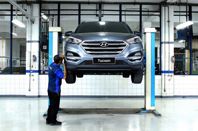 Servis di bengkel resmi menawarkan sejumlah keunggulan dibandingkan servis di bengkel umum. Hyundai