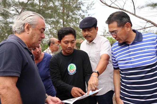 Dubes RI untuk Singapura Ngurah Swajaya (kedua dari kanan) bersama para pengusaha Singapura. (Foto: Dok. KBRI Singapura)