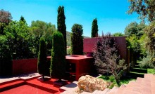 Family House, Rumah Merah di Spanyol