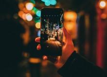 Cara Memegang Smartphone agar Tidak Merusak Sendi Tangan