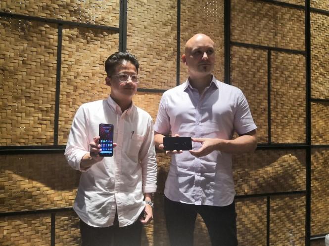 Head of Communication APAC HMD Global, Nicholas Lim, dan Product Manager HMD Global Juha Werkala.