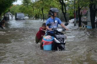 Banjir Rendam Sebagian Wilayah Makassar