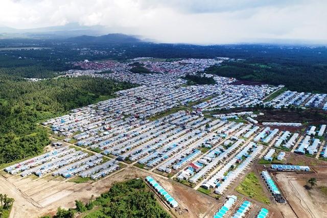 Foto aerial perumahan murah di Manado, Sulawesi Utara. Antara Foto/Adwit B Pramono
