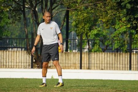 Nova Ariyanto Fokus Asah Pertahanan Timnas U-22