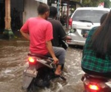 Warga Sidoarjo Mulai Alami Penyakit Gatal Akibat Banjir