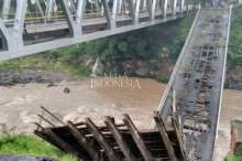 Empat Jembatan di Gowa Amblas Diterjang Banjir