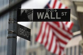 Wall Street Parkir di Area Negatif