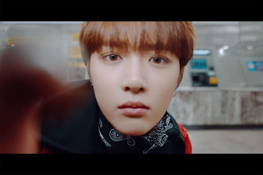 Choi Beomgyu dalam video perkenalan bertajuk Introduction Film- What do you do? (Foto: YouTube ibighit)