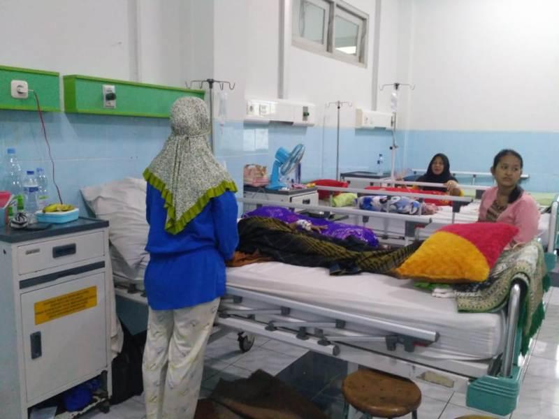 Pasien DBD dirawat di RSUD Kartini Jepara, Jawa Tengah.