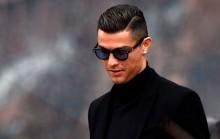 Pamer Foto di Pesawat, Ronaldo Dikritik Legenda Inggris
