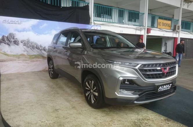 Wuling resmi mengenalkan Almaz ke pasar otomotif Indonesia, sayang harga jualnya belum ditentukan. medcom.id/Ekawan Raharja